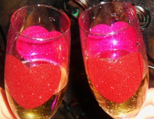 cropped-cropped-heart-champagne-glasses1.jpg