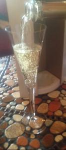 champagne pour