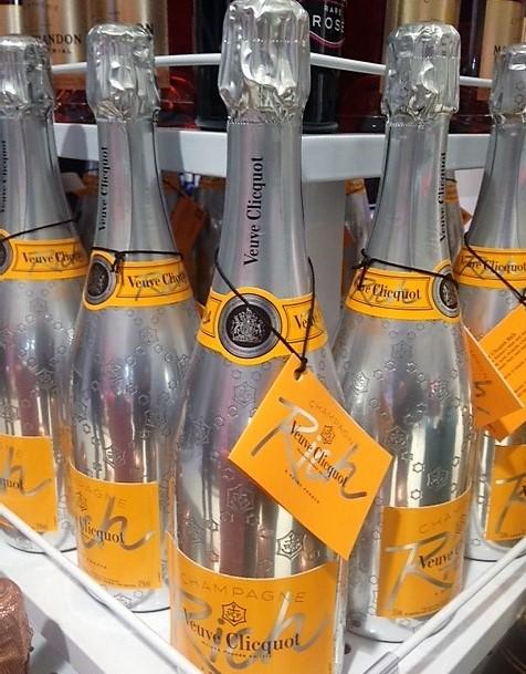 champagne-veuve-rich
