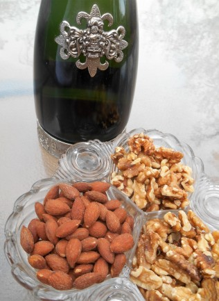 prosecco and nuts pairing